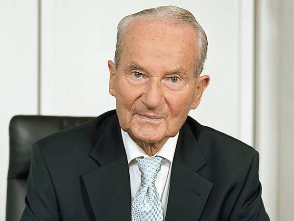 Zum 100. Geburtstag: Bertelsmann in Gütersloh würdigt Nachkriegsgründer Reinhard Mohn - Radio Gütersloh